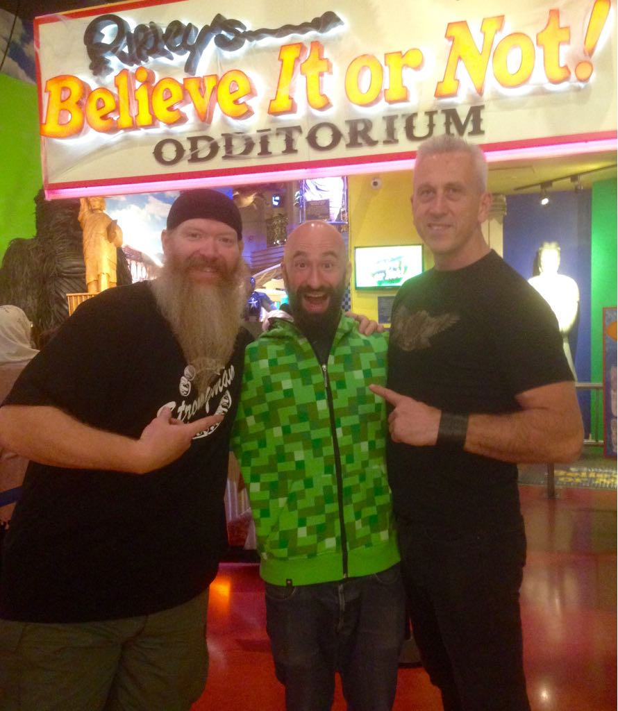 Performing in Ripley's, New York Time Square, with strongman Chris Ryder and Al Kavaldo, Calisthenics and bodyweight training master
